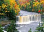 tahquamenon_falls_upper_falls